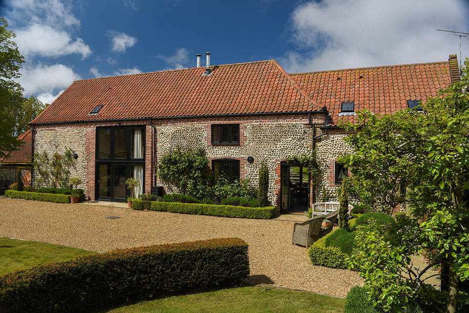 Long Barn holiday accommodation, Rookery Farm, Norfolk
